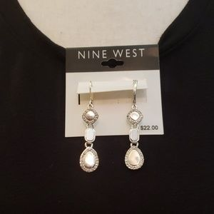 Nine West silver dangling earrings w/ rhinestones